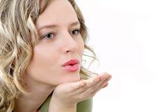 De schoonheid verzendt kus Stock Fotografie