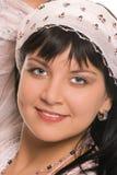 De schoonheids Oostelijke donkerbruine vrouw van het portret Stock Fotografie