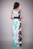De schoonheidsmanier kleedt het toevallige modelbrunette van de inzamelingsvrouw Stock Fotografie
