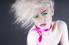 De schoonheidsvrouw van de manier met kleurrijke make-up Royalty-vrije Stock Foto's