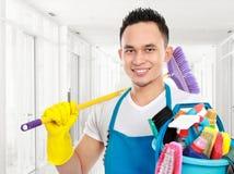 De schoonmakende dienst in het bureau stock foto's