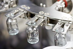 De schoonmakende en drogende flessen van de farmaceutische geneeskunde industriële wasmachine Royalty-vrije Stock Afbeelding