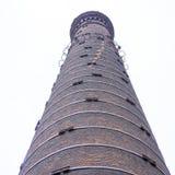 De schoorsteen van de baksteenfabriek Stock Fotografie