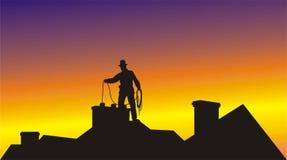 De schoorsteenveger maakt de schoorsteen schoon Royalty-vrije Stock Afbeeldingen