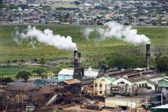 De schoorstenen van de fabriek. stock foto's