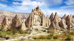 De Schoorstenen van de fee in Cappadocia, Turkije Royalty-vrije Stock Fotografie