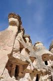 De Schoorstenen van de fee van Cappadocia in Turkije stock afbeelding