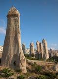 De schoorstenen van de fee van Cappadocia, Turkije Stock Foto's