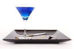 De Schotel van het restaurant met Blauwe Drank Stock Foto's