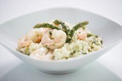 De Schotel van koningsprawn asparagus risotto Royalty-vrije Stock Foto's