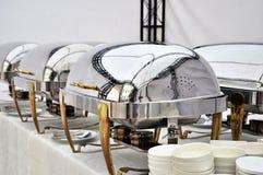 De Schotels van Cheffing voor buffet Stock Foto's