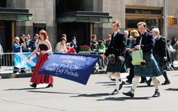 De Schotse parade van de geruite Schotse wollen stofdag Stock Foto