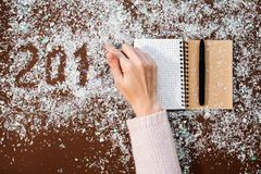 De schrijvende bloem van 2018 Van de het ontwerphand van de Kerstmiskunst decoratie van het de cijfers de nieuwe jaar Royalty-vrije Stock Afbeelding