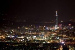 De scènes van de nacht van de stad van Taipeh, Taiwan Stock Foto's