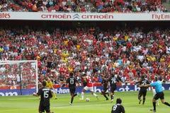 De scores van Chamakh versus AC Milaan Royalty-vrije Stock Fotografie