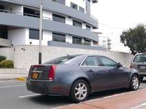 De Sedan van Gray Cadillac CTS in Barranco-district van Lima Royalty-vrije Stock Afbeelding