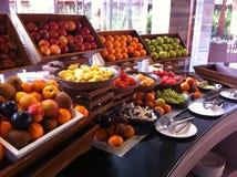 De selectie van het het ontbijtbuffet van de luxetoevlucht Stock Fotografie