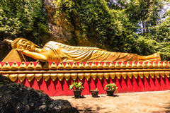 20 de septiembre de 2014: Estatua budista en Luang Prabang, Laos Fotografía de archivo