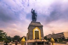 25 de septiembre de 2014: Estatua de Chao Fa Ngum, Vientián, Laos Imagen de archivo