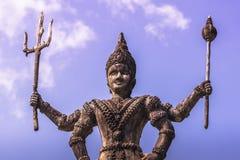 26 de septiembre de 2014: Estatua de piedra budista en el parque de Buda, Lao Fotos de archivo