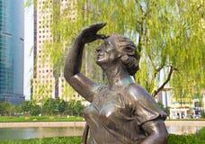 29 de septiembre de 2014 Shangai Escultura en el parque Foto de archivo libre de regalías