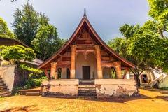 20 de septiembre de 2014: Templo budista en Luang Prabang, Laos Imagen de archivo