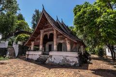 20 de septiembre de 2014: Templo budista en Luang Prabang, Laos Fotografía de archivo libre de regalías