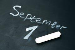 1 de septiembre la frase escrita en tiza en la pizarra Imágenes de archivo libres de regalías