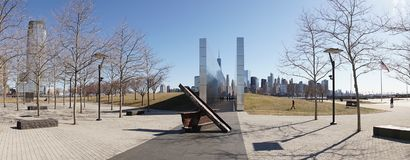 11 de septiembre monumento vacío del cielo en Liberty State Park en Jersey City Foto de archivo