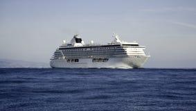 De Sereniteit van het Kristal van het Schip van de cruise Stock Afbeeldingen