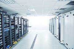 De serverruimte van het netwerk stock afbeeldingen