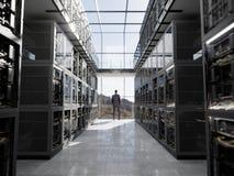 De servers en de hardwareruimte met notitieboekje en koffie vormen de foto van de computertechnologieclose-up tot een kom Stock Foto's