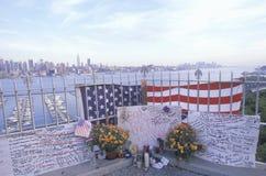 11 de setembro de 2001 memorial no telhado que olha sobre Weehawken, New-jersey, New York City, NY Imagens de Stock Royalty Free
