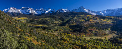 25 de setembro de 2016 - montagem Sneffels, rancho dobro de RL perto de Ridgway, Colorado EUA com a escala de Sneffels no San Jua Fotografia de Stock Royalty Free