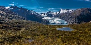 1º de setembro de 2016 - vista da geleira de Portage do verão do Sc Alaska da passagem de Portage Fotos de Stock