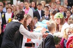 1º de setembro, dia do conhecimento na escola do russo Dia do conhecimento Primeiro dia da escola Imagem de Stock Royalty Free