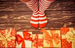 De sexy benen van de Kerstmanvrouw Royalty-vrije Stock Foto's