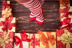 De sexy benen van de Kerstmanvrouw Stock Foto's