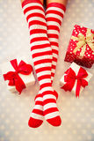 De sexy benen van de Kerstmanvrouw Stock Afbeelding