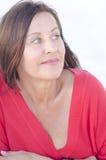 De sexy rijpe vrouw van het portret die op wit wordt geïsoleerde Royalty-vrije Stock Afbeelding