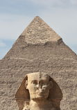De Sfinx bij Giza en piramide Stock Foto's