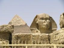 De sfinx en de Piramide van Khafre stock foto's