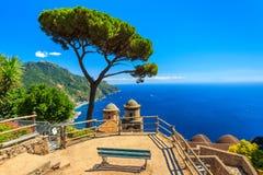 De sier opgeschorte tuin, Rufolo tuiniert, Ravello, Amalfi kust, Italië, Europa Royalty-vrije Stock Foto
