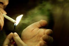 De sigaret van de verlichting Stock Afbeelding