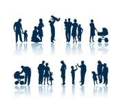 De silhouetten van de familie royalty-vrije illustratie