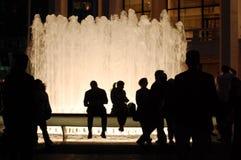 De Silhouetten van de Fontein van het Centrum van Lincoln, de Stad van New York stock fotografie