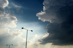De Silhouetten van de lamp Stock Foto's