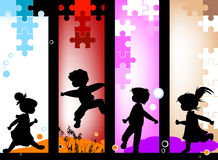 De silhouetten van jonge geitjes Stock Afbeelding