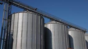 De Silo's van de staalkorrel Stock Foto's