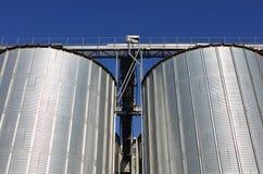 De silo's van het metaal Stock Afbeelding